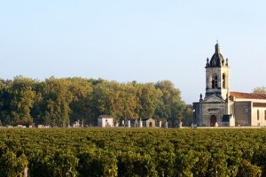 Bordeaux vineyard and chateau. Photo from Bordeaux Tourism.